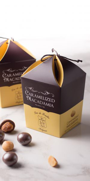 Caramelized Macadamia