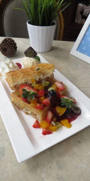 Fruit Paradise Waffle